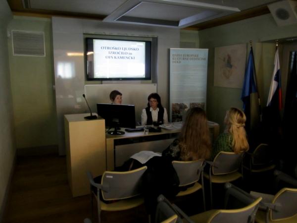 Vzgojiteljici iz Vrtca Sežana (foto: Darja Kranjc)