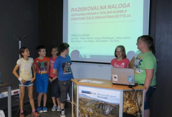 Skupina raziskovalcev problematike zavržene hrane OŠ Dragotina Ketteja Ilirska Bistrica (foto: Darja Kranjc)