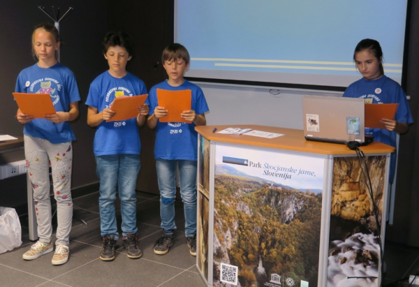 Učenci COŠ Pinka Tomažiča Trebče (foto: Darja Kranjc)
