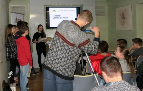 Učenci OŠ Antona Žnideršiča iz Ilirske Bistrice (foto: Vanja Debevec)