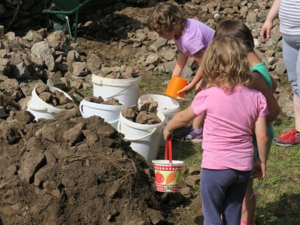 Povirski vrtčevski otroci (foto: Darja Kranjc)