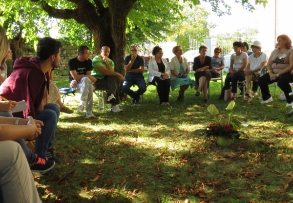 Mentorice Mreže šol PŠJ med predstavitvijo svojega dela udeležencem delavnice WWF (foto: Letizia Fambri)
