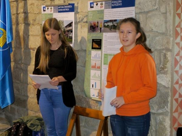 Predstavitev izsledkov učencev OŠ Podgora Kuteževo (foto: Darja Kranjc)