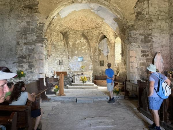 Notranjost cerkve sv. Jošta v Gornjih Vremah (foto: Darja Kranjc)