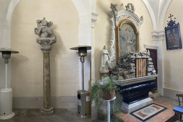 """Restavriran kip sv. Jurija in moteč """"tabernakelj"""" v cerkvi Marijinega Vnebovzetja (foto: Darja Kranjc)"""