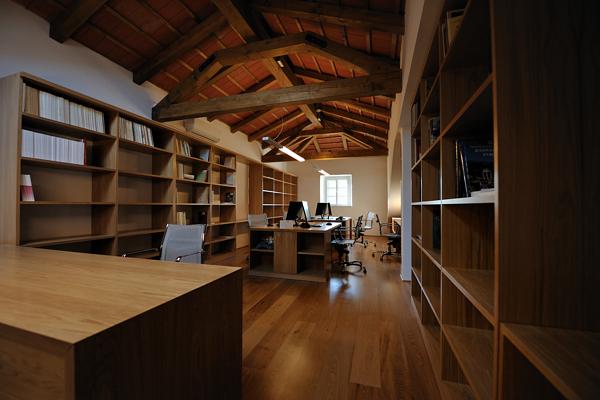 Knjižnica s čitalnico in arhivom