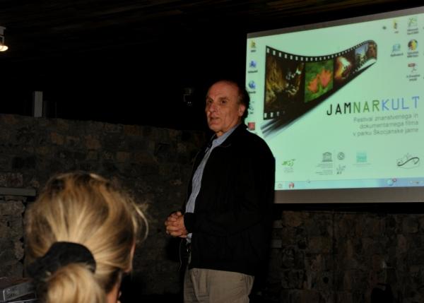 dr. Naško Križnar, zmagovalec prvega večera, o pomenu zbiranja video gradiv